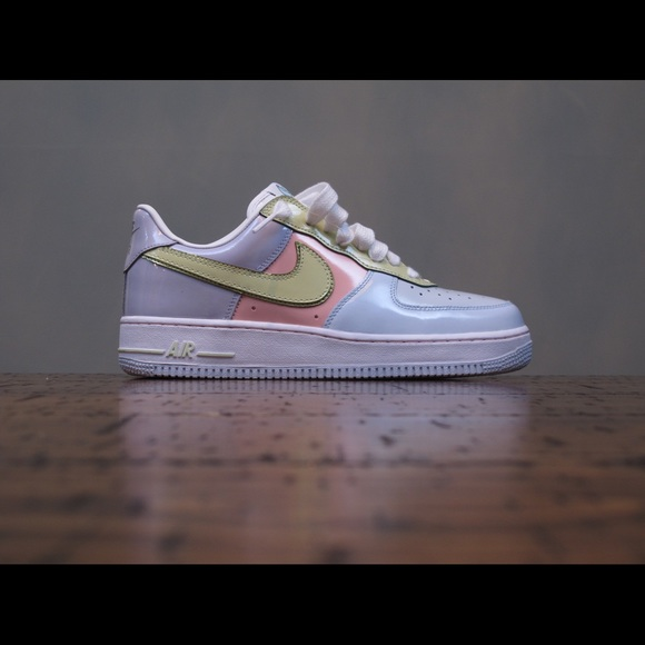 new concept 3b8c6 391bc Preowned Nike Air Force 1 Easter Egg Size 8